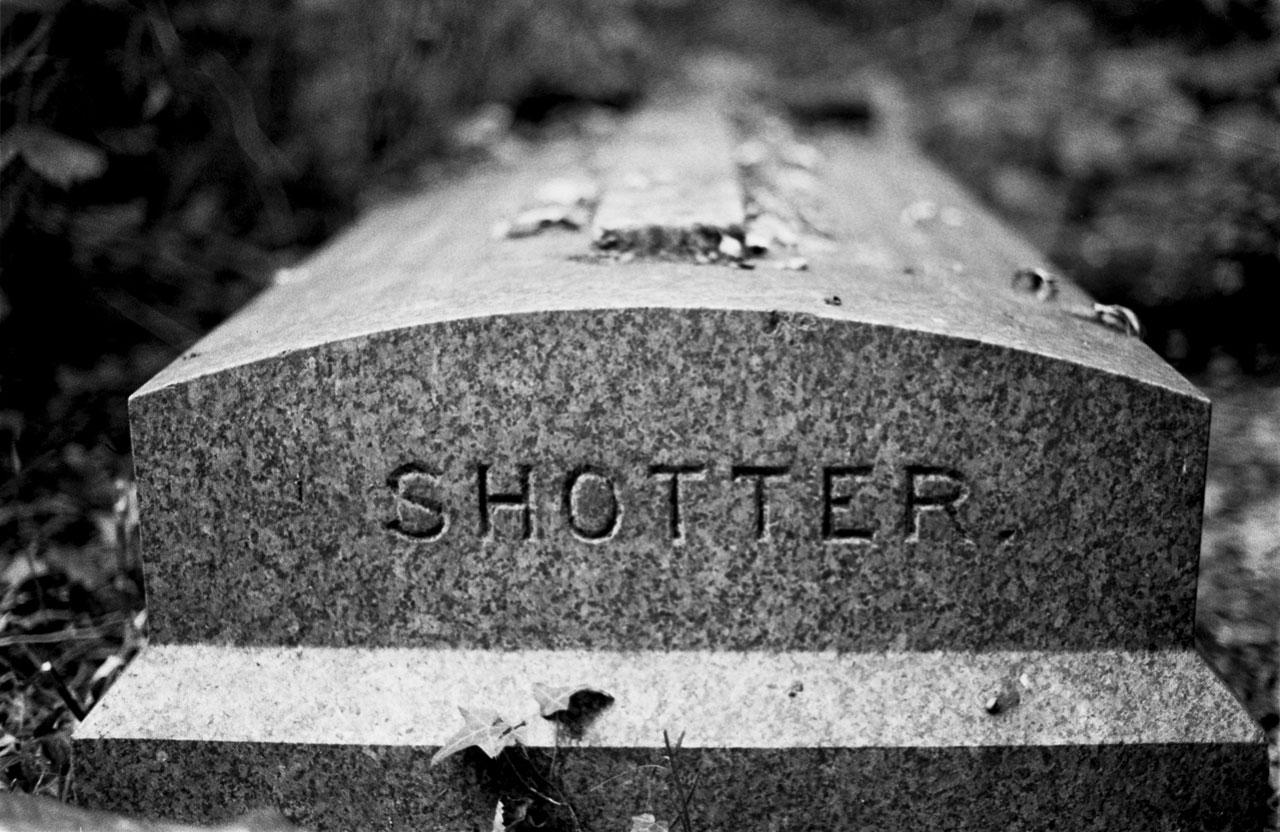 Shotter grave